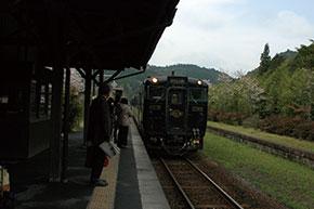 嘉例川駅 はやとの風が来ました